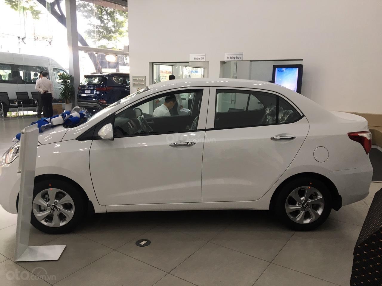 Bán xe Hyundai Grand i10 1.2 AT Sedan đời 2019, màu trắng, giá 415tr-1