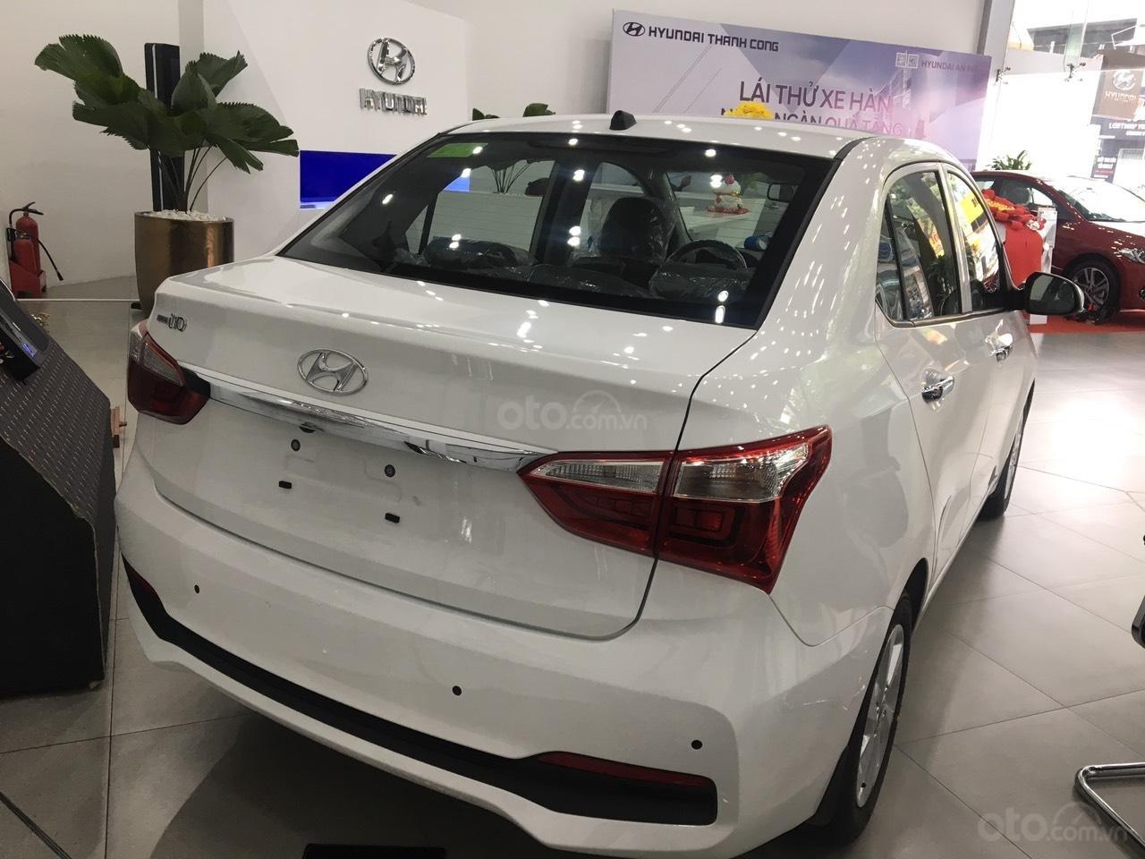 Bán xe Hyundai Grand i10 1.2 AT Sedan đời 2019, màu trắng, giá 415tr-2