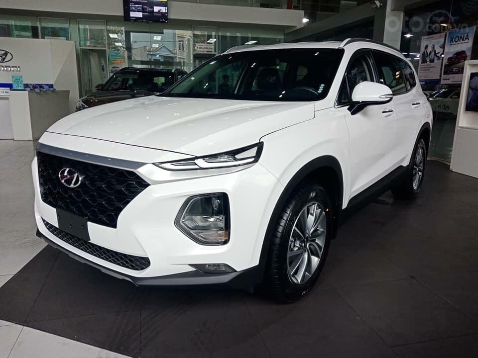 Bán Hyundai Santa Fe 2019, màu trắng, xe nhập, giá chỉ 995 triệu-1