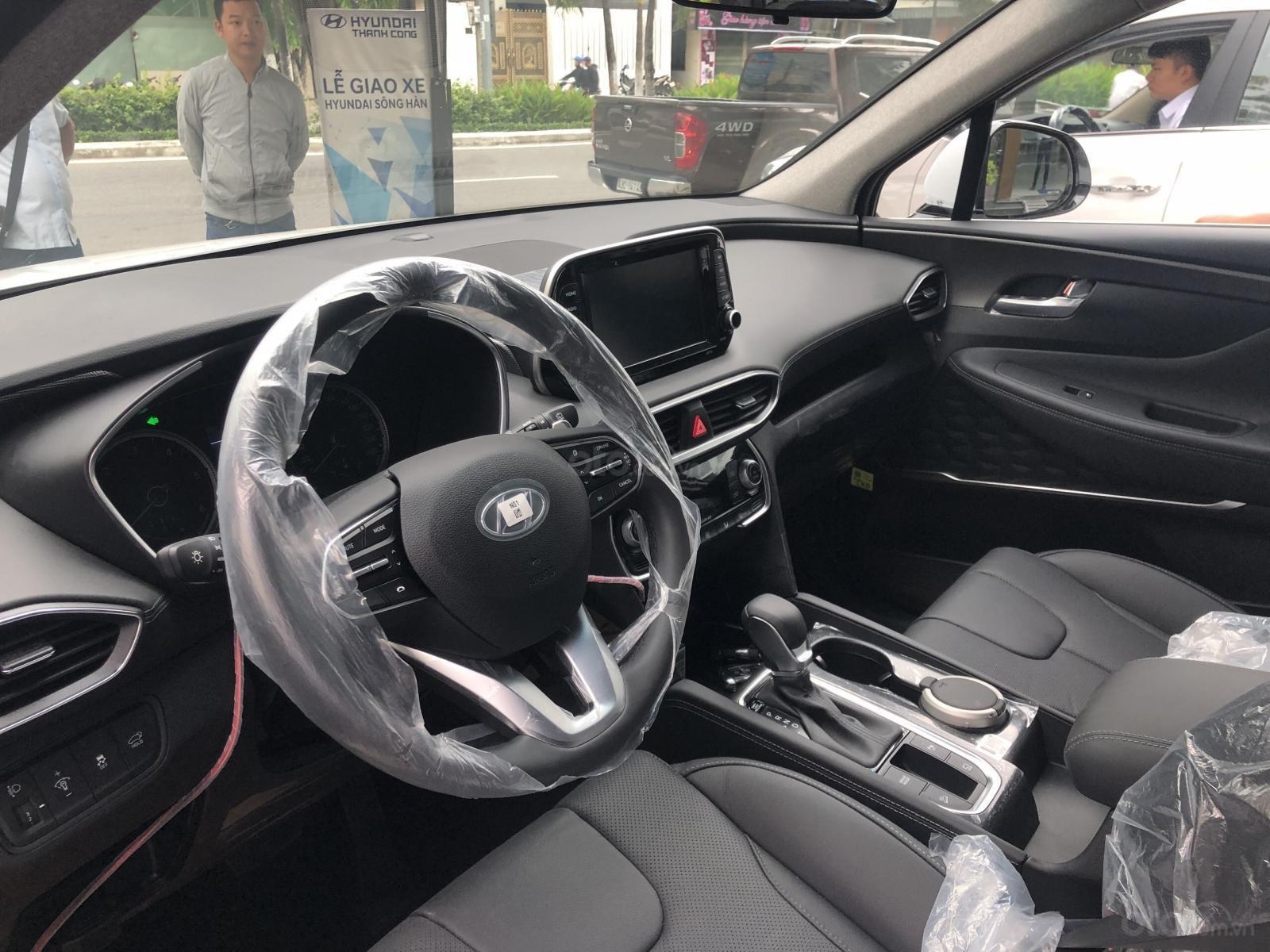 Bán Hyundai Santa Fe 2019, màu trắng, xe nhập, giá chỉ 995 triệu-3