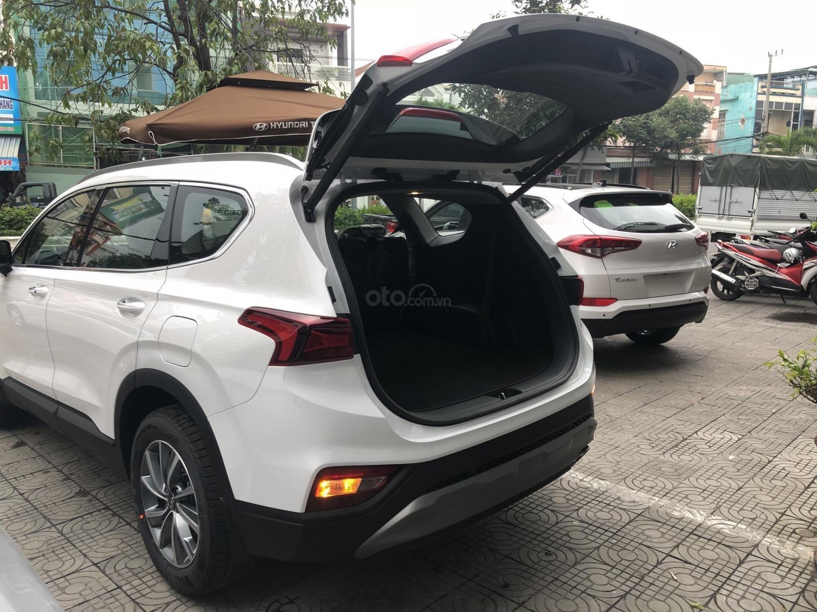Bán Hyundai Santa Fe 2019, màu trắng, xe nhập, giá chỉ 995 triệu-5