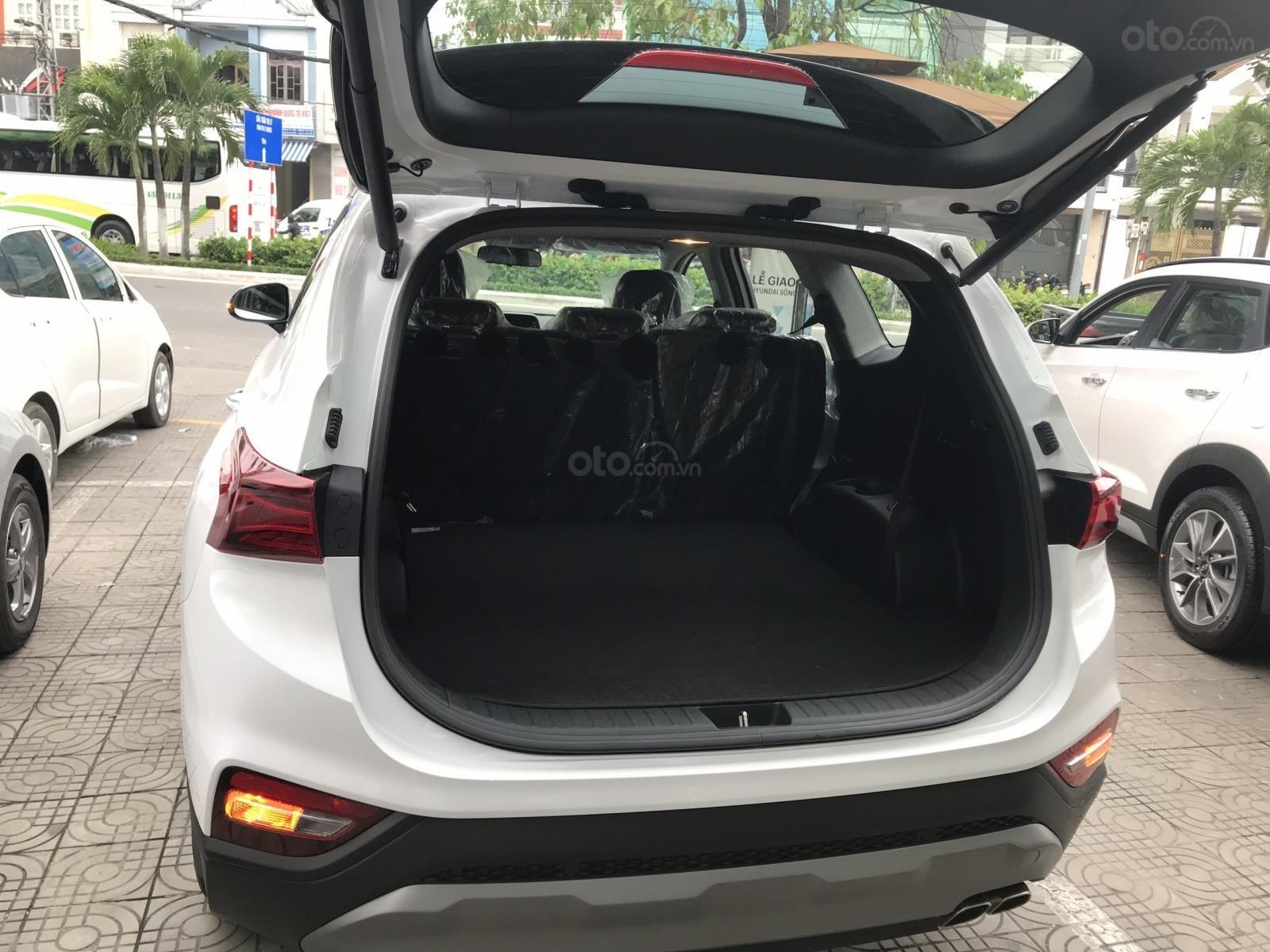 Bán Hyundai Santa Fe 2019, màu trắng, xe nhập, giá chỉ 995 triệu-7