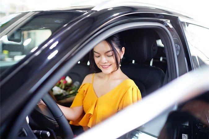 Mercedes-Benz GLC 250 mà Phạm Quỳnh Anh vừa mua có gì đặc biệt? a5