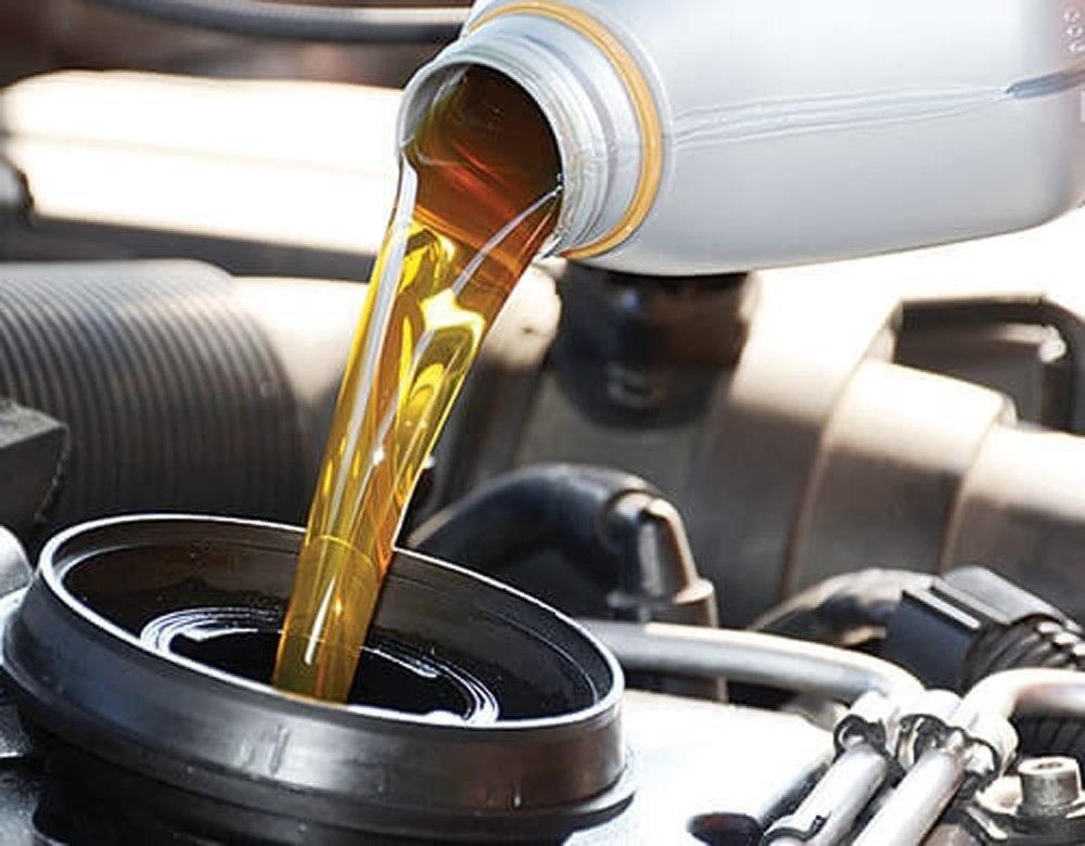 Thay dầu xe sau chu kỳ 12.000 km nếu xe không vận hành ở điều kiện môi trường khắc nghiệt