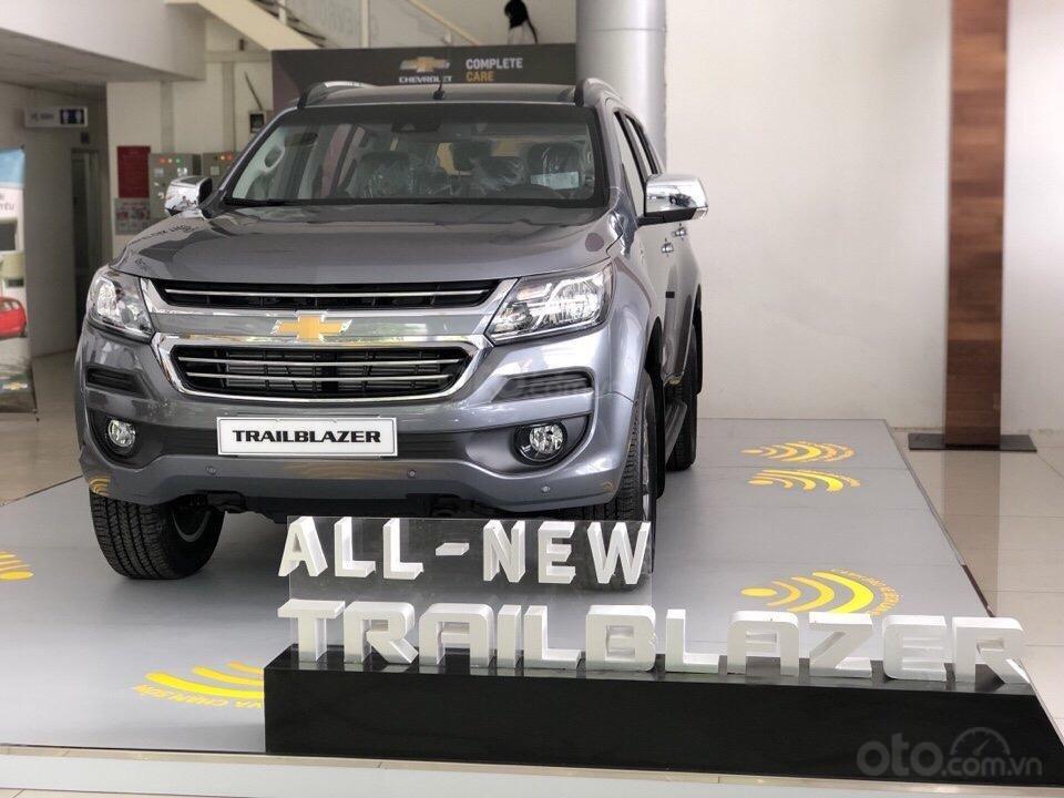 Bán xe 7 chỗ Trailblazer nhập khẩu, đủ màu, giao ngay, ưu đãi sốc tháng 5, liên hệ 0962.951.192-0