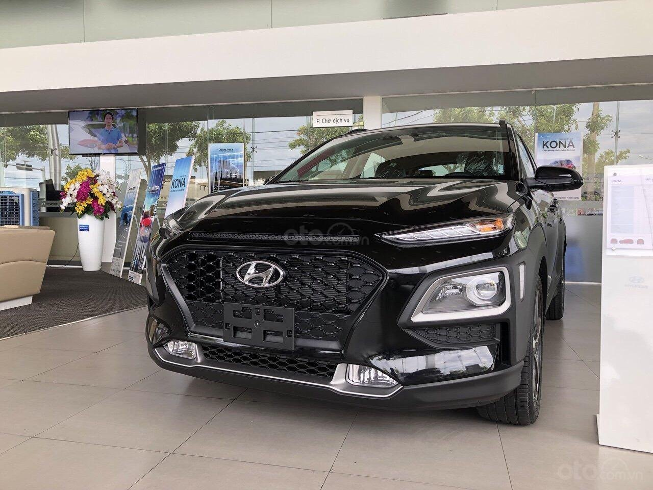 Cần bán Hyundai Kona 2019, tặng ngay 3 món phụ kiện khi đặt cọc xe, liên hệ: 0905976950 (1)