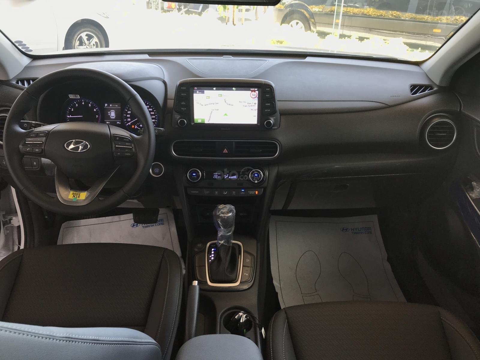 Cần bán Hyundai Kona 2019, tặng ngay 3 món phụ kiện khi đặt cọc xe, liên hệ: 0905976950 (4)