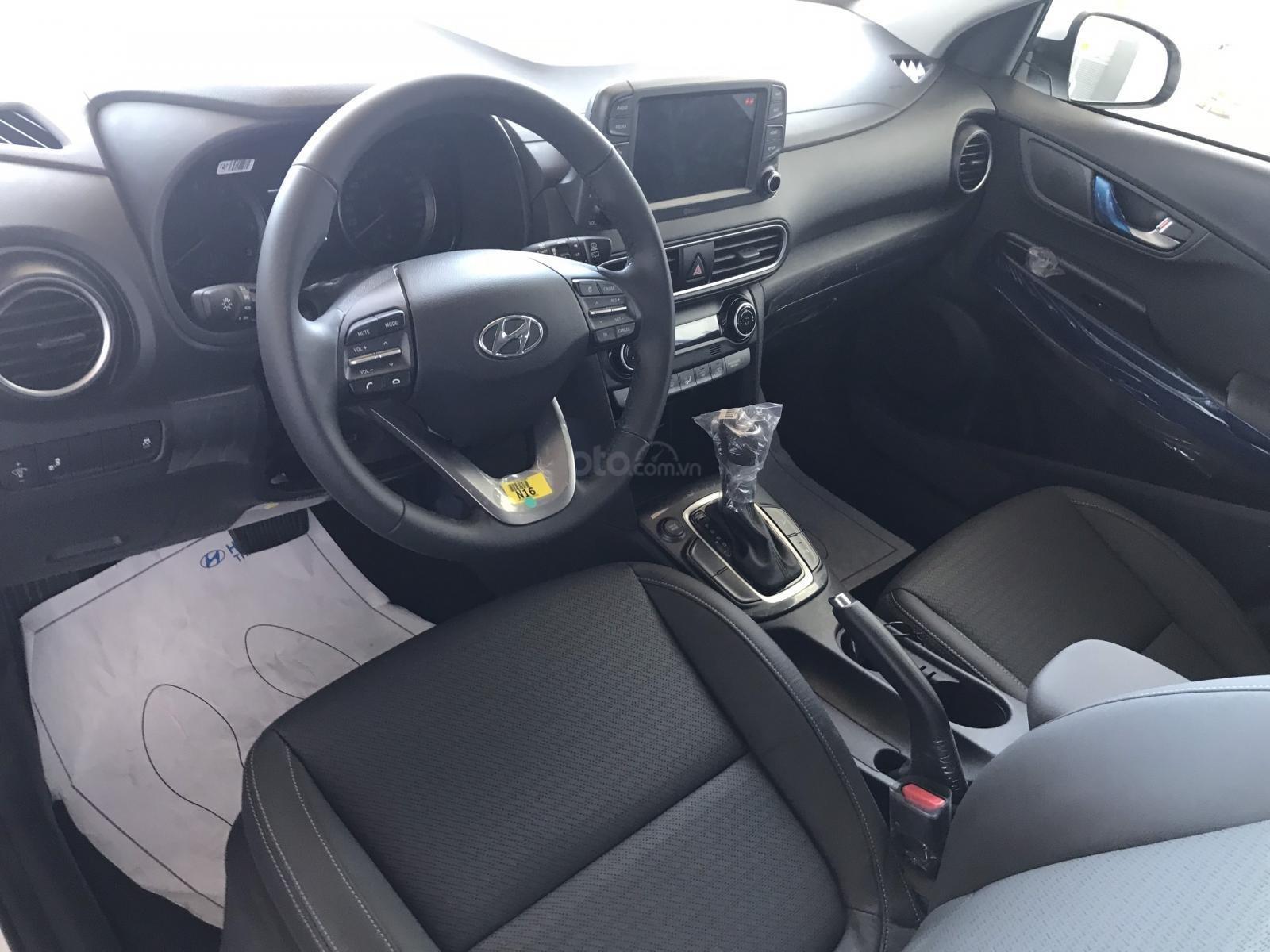Cần bán Hyundai Kona 2019, tặng ngay 3 món phụ kiện khi đặt cọc xe, liên hệ: 0905976950 (5)