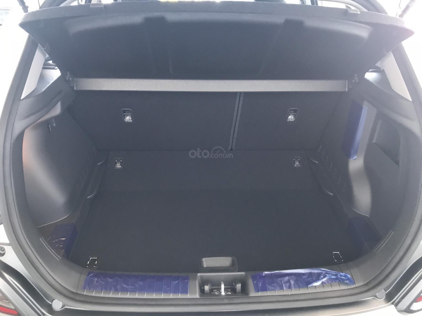 Cần bán Hyundai Kona 2019, tặng ngay 3 món phụ kiện khi đặt cọc xe, liên hệ: 0905976950 (6)