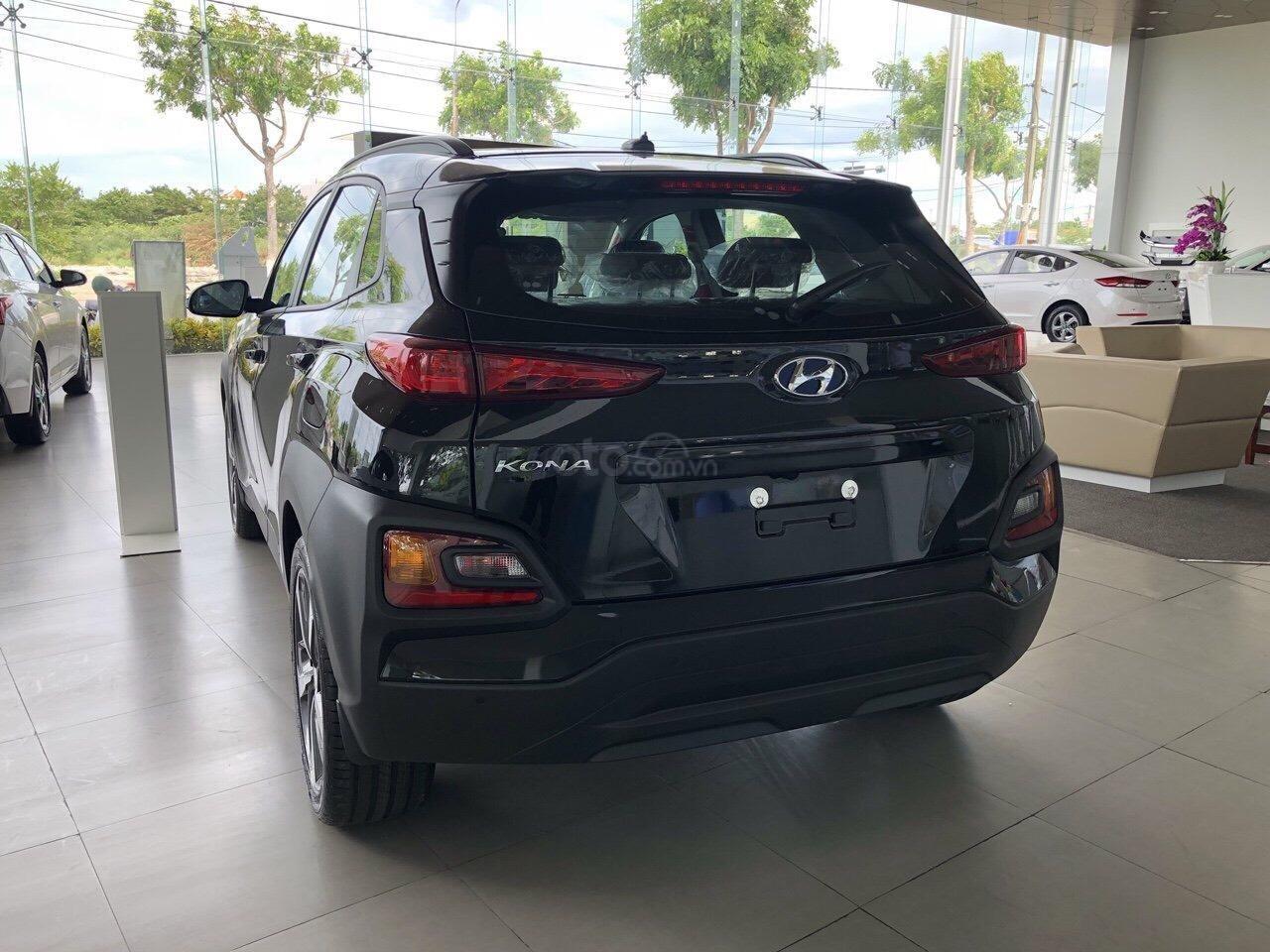 Cần bán Hyundai Kona 2019, tặng ngay 3 món phụ kiện khi đặt cọc xe, liên hệ: 0905976950 (8)