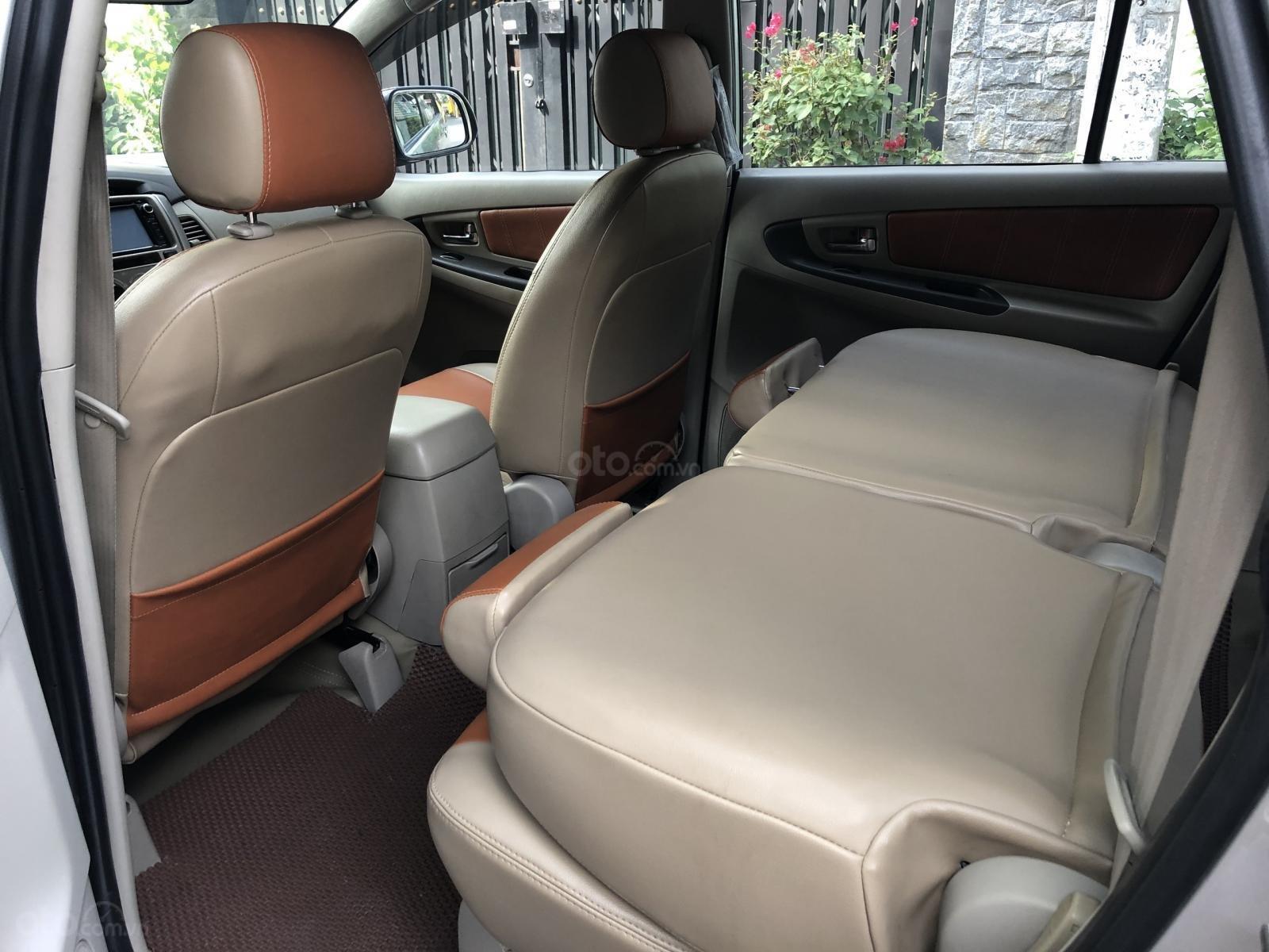 Cần bán xe Toyota Innova 2.0E số sàn 2016, màu bạc BSTP-7