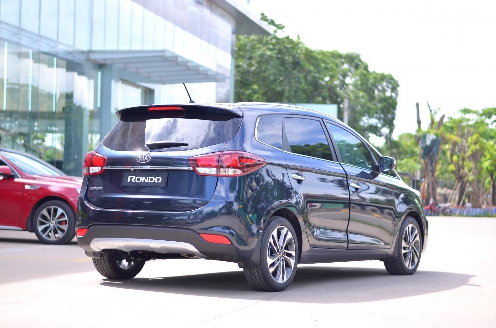 Xe Kia Rondo 2019 giá ưu đãi có xe giao ngay, số lượng xe có hạn (5)