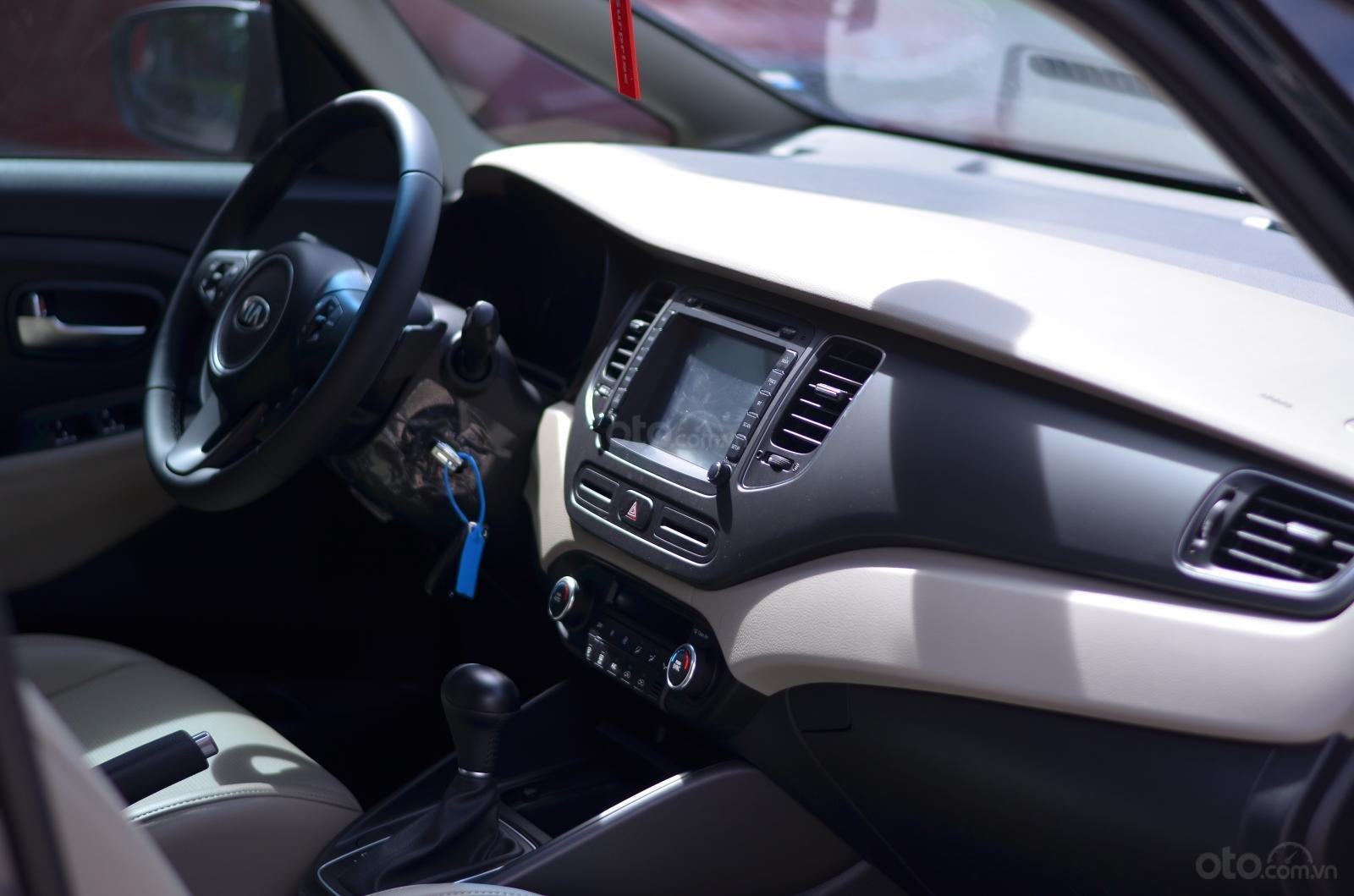 Xe Kia Rondo 2019 giá ưu đãi có xe giao ngay, số lượng xe có hạn (12)