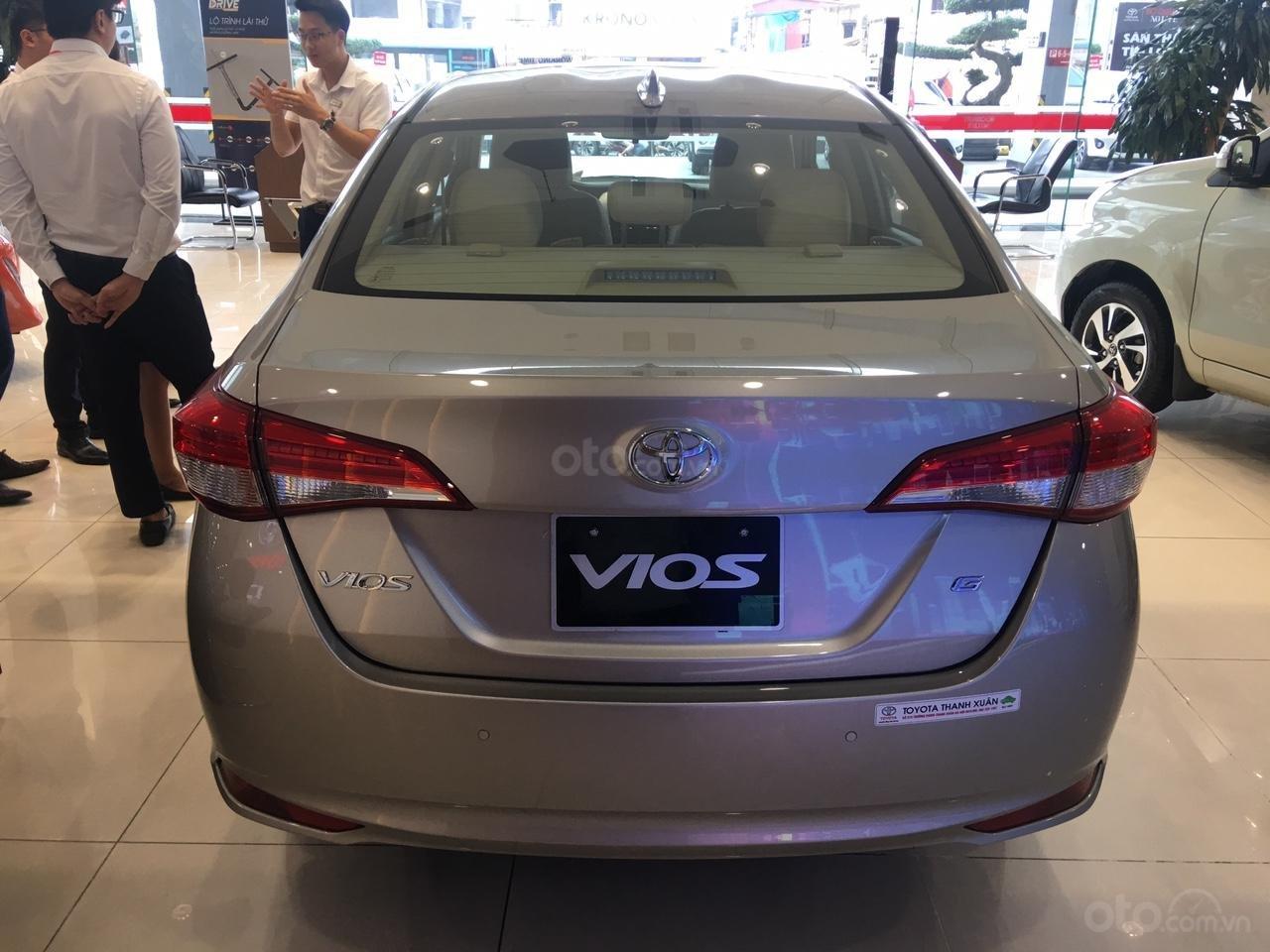 Toyota Vios E giá 497 triệu đồng tặng DVD, camera lùi, dán kính trải sàn liên hệ 093 6200062-3
