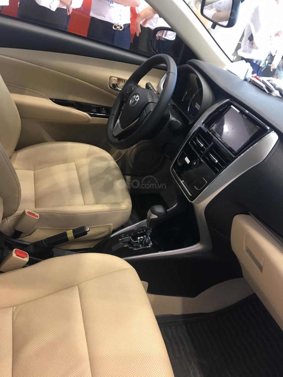 Toyota Vios E giá 497 triệu đồng tặng DVD, camera lùi, dán kính trải sàn liên hệ 093 6200062-2