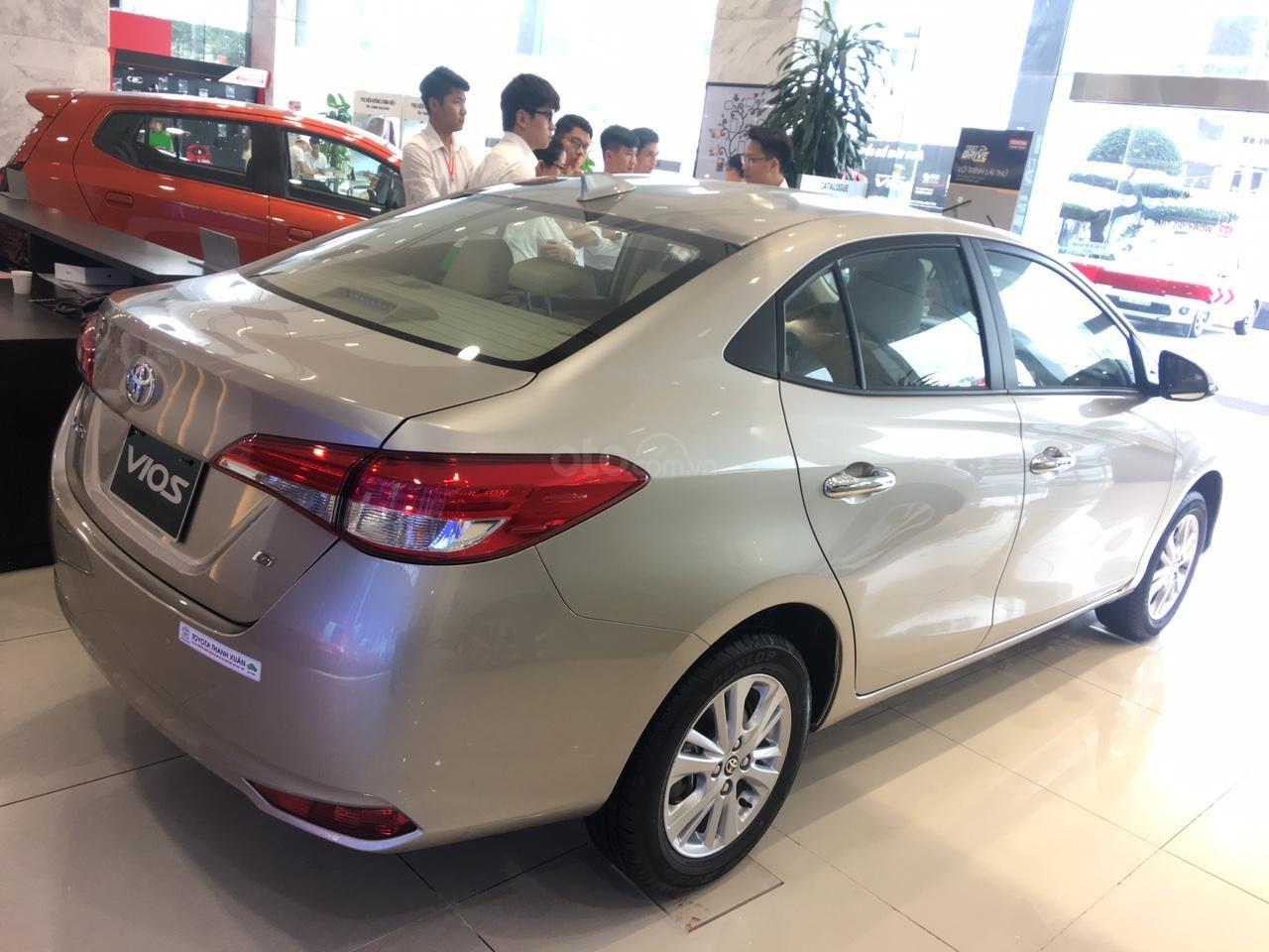 Toyota Vios E giá 497 triệu đồng tặng DVD, camera lùi, dán kính trải sàn liên hệ 093 6200062-10