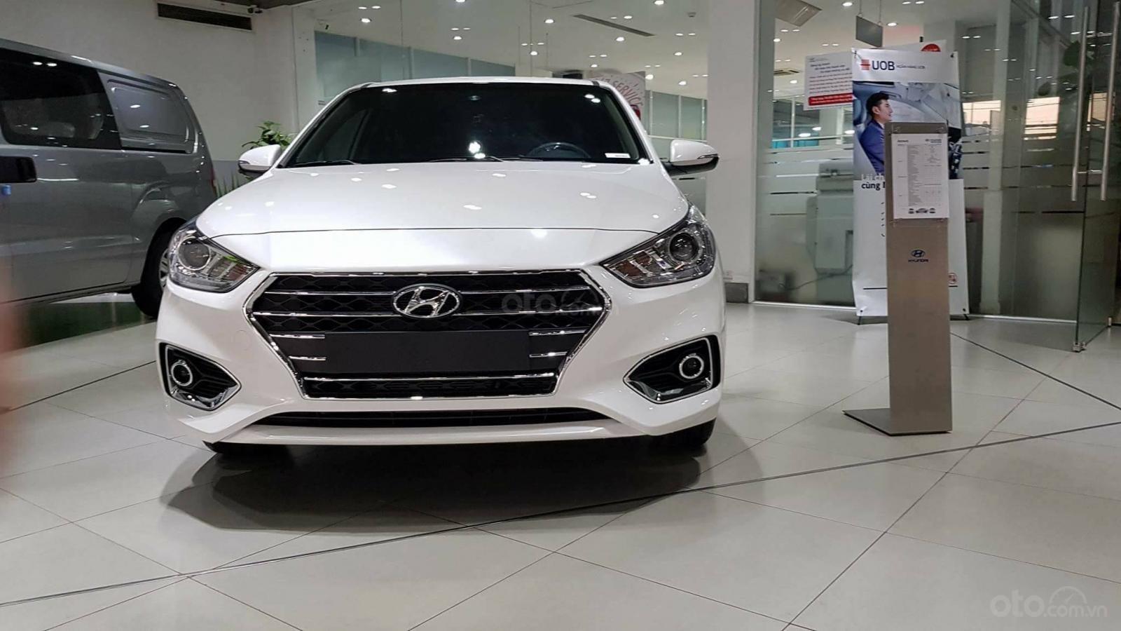 Hyundai Accent - giá ưu đãi - khuyến mãi cực nhiều- đủ màu- giao ngay - chỉ 130tr có xe - LH 0909862412-4