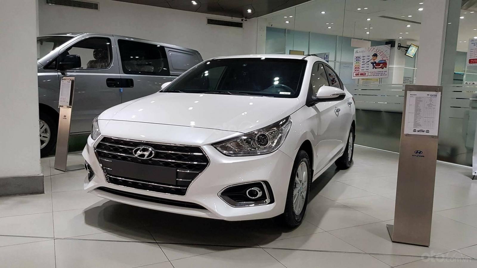 Hyundai Accent - giá ưu đãi - khuyến mãi cực nhiều- đủ màu- giao ngay - chỉ 130tr có xe - LH 0909862412-6