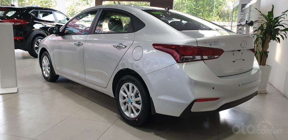 Hyundai Accent - giá ưu đãi - khuyến mãi cực nhiều- đủ màu- giao ngay - chỉ 130tr có xe - LH 0909862412-8