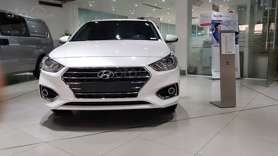 Hyundai Accent - giá ưu đãi - khuyến mãi cực nhiều- đủ màu- giao ngay - chỉ 130tr có xe - LH 0909862412-7