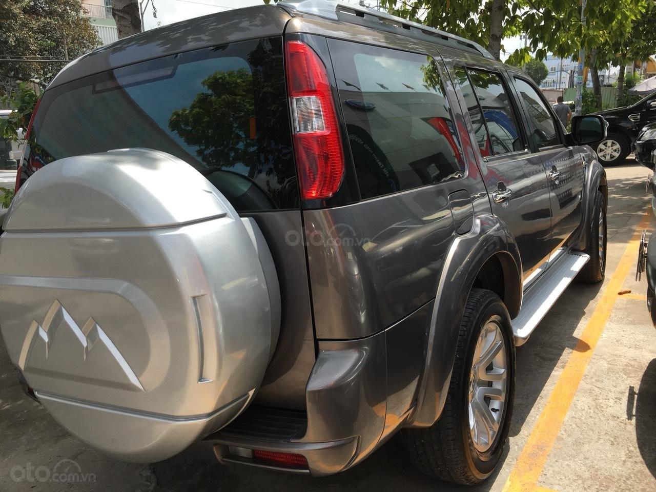Cần bán xe Ford Everest Limited số tự động, 1 cầu, màu xám, đời 2014-1