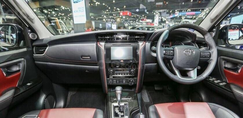 Toyota Fortuner 2.4 máy dầu, số sàn, giao ngay, hỗ trợ cho vay tới 85% lãi suất thấp, liên hệ 093 6200062-0