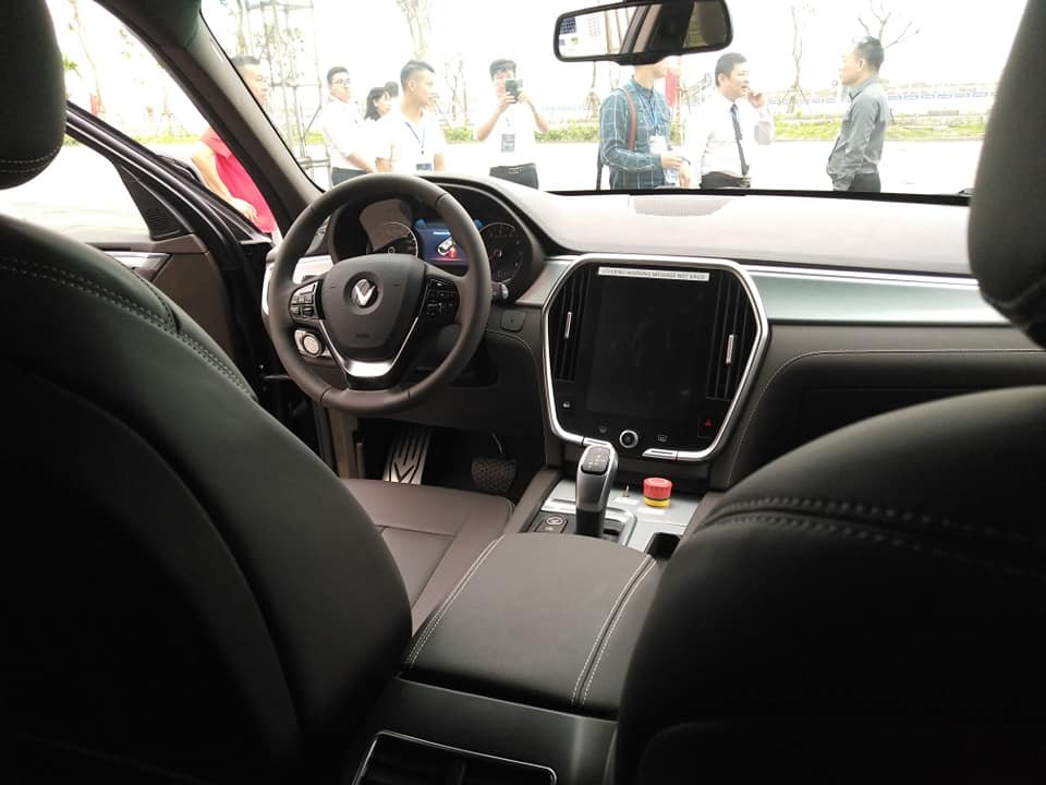 Nhìn lại loạt ảnh xe ô tô VinFast chạy thử tại Việt Nam a12