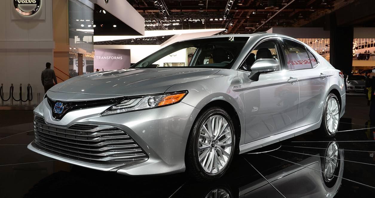Cập nhật giá xe Toyota Camry 2019 mới nhất