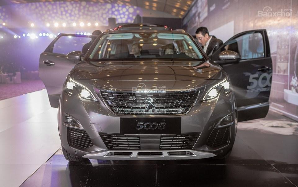 Sau giảm giá 50 triệu đồng, chi phí lăn bánh xe Peugeot 5008 2019 là bao nhiêu? A1