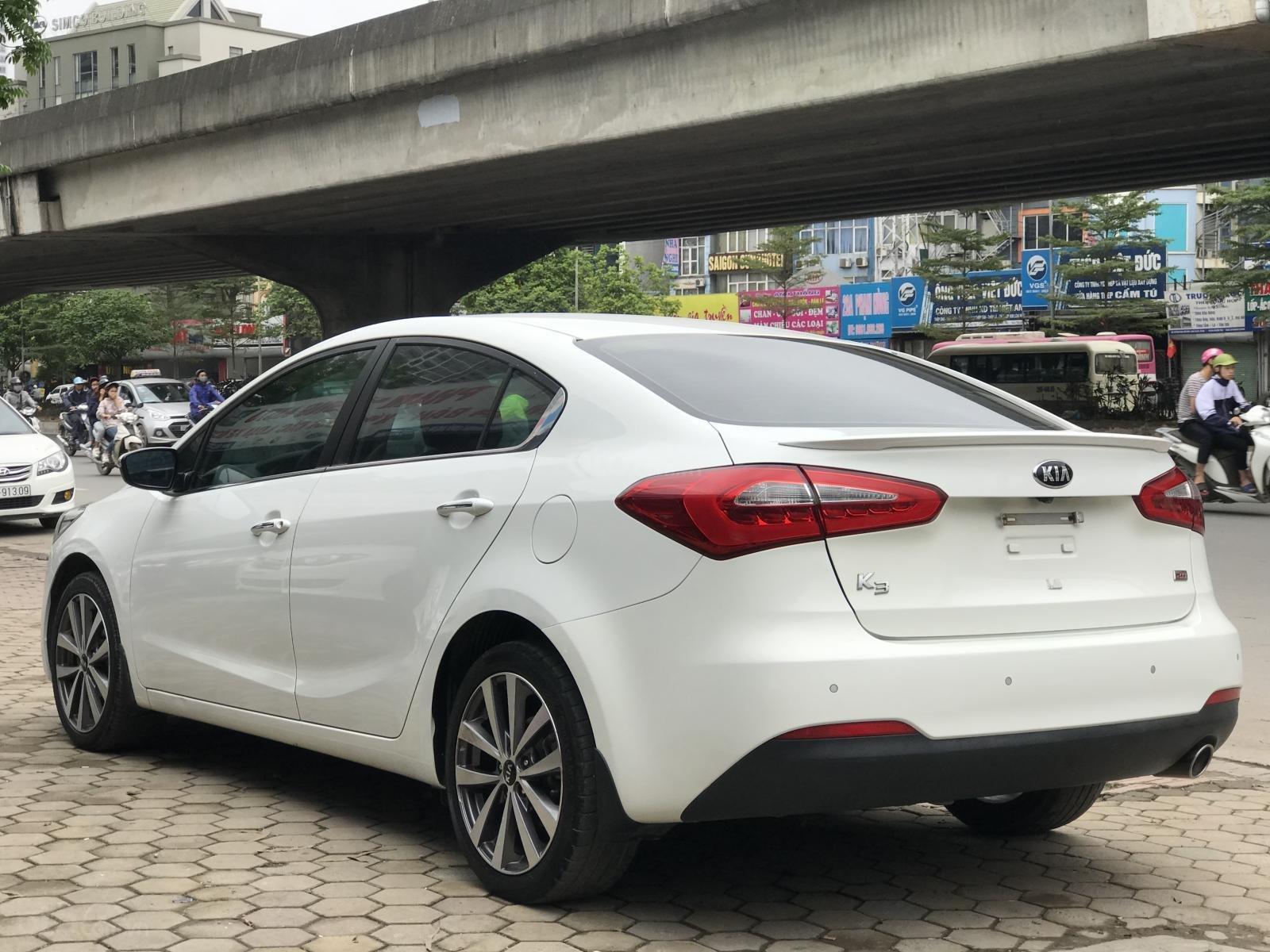 Bán xe Kia K3 2.0 đời 2015, màu trắng, giá 545tr-3