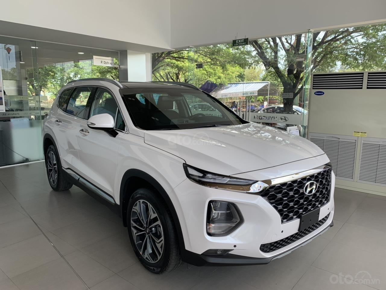 Hyundai Santafe 2019, tặng full phụ kiện. Xe có sẵn giao ngay, hỗ trợ vay 80%. Lh: 0934. 79.39.69 để được tư vấn-1