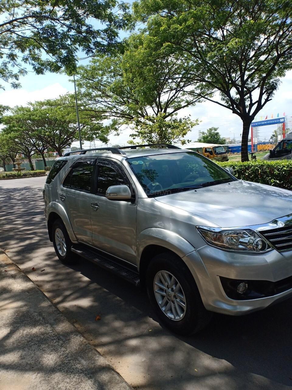 Bán Toyota Fortuner 2.7V năm 2013, xe nhà đi sử dụng kĩ, bán giá 665 triệu-1
