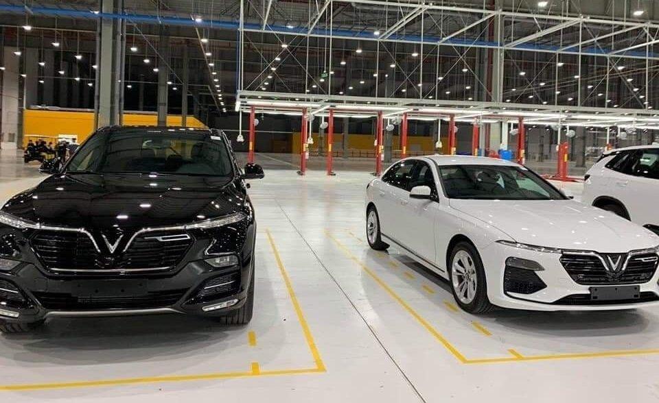 Hai mẫu xe LUX bên trong nhà máy VinFast...