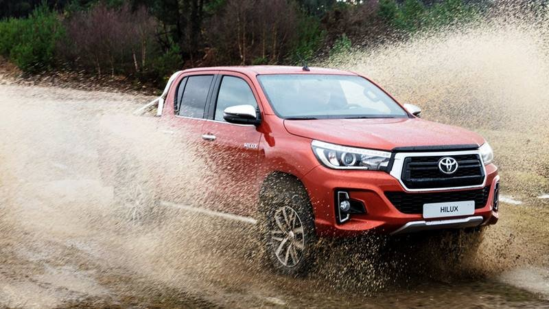 Toyota Hilux 2019 hiện tại giá bao nhiêu?