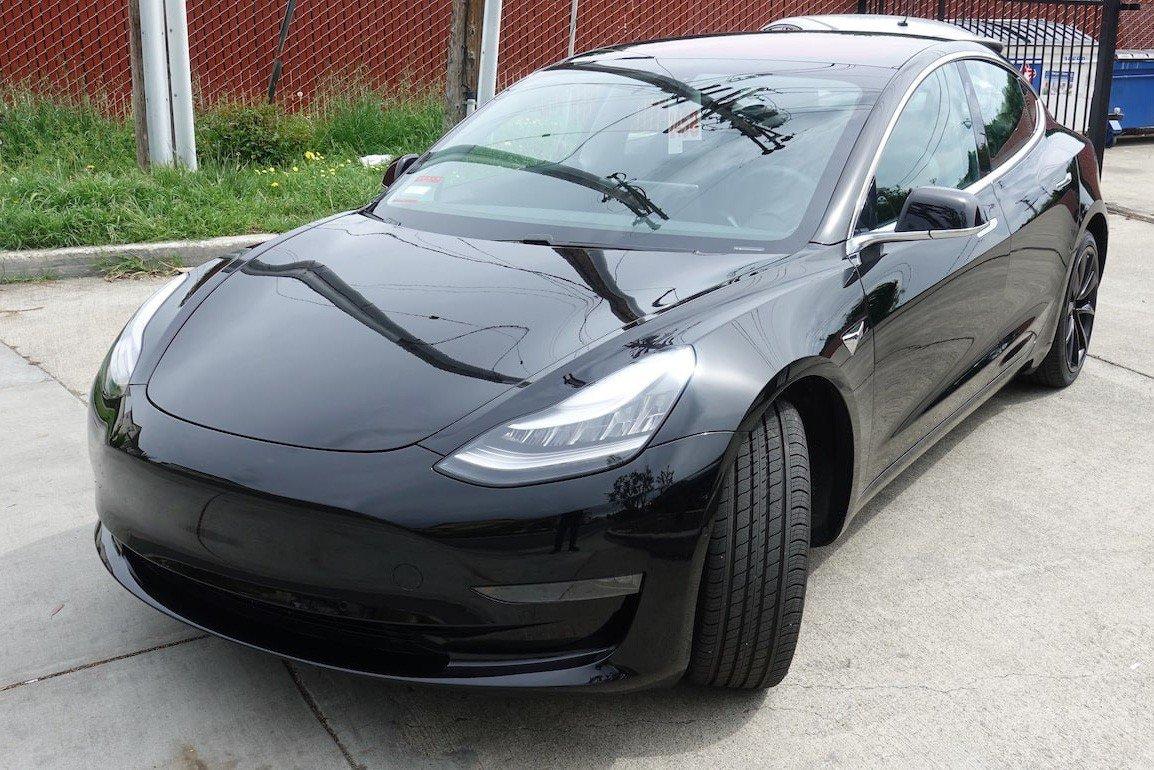Tesla Model 3 âm thầm cập cảng Việt Nam a1