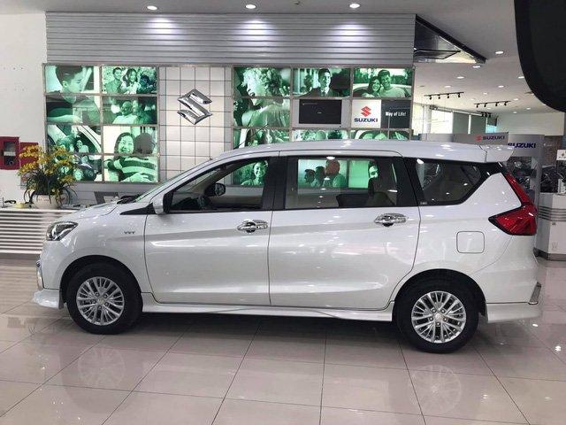 Kích thước tổng thể của Suzuki Ertiga 2019 là 4.395 x 1.735 x 1.690 (mm) tương ứng với D x R x C a2