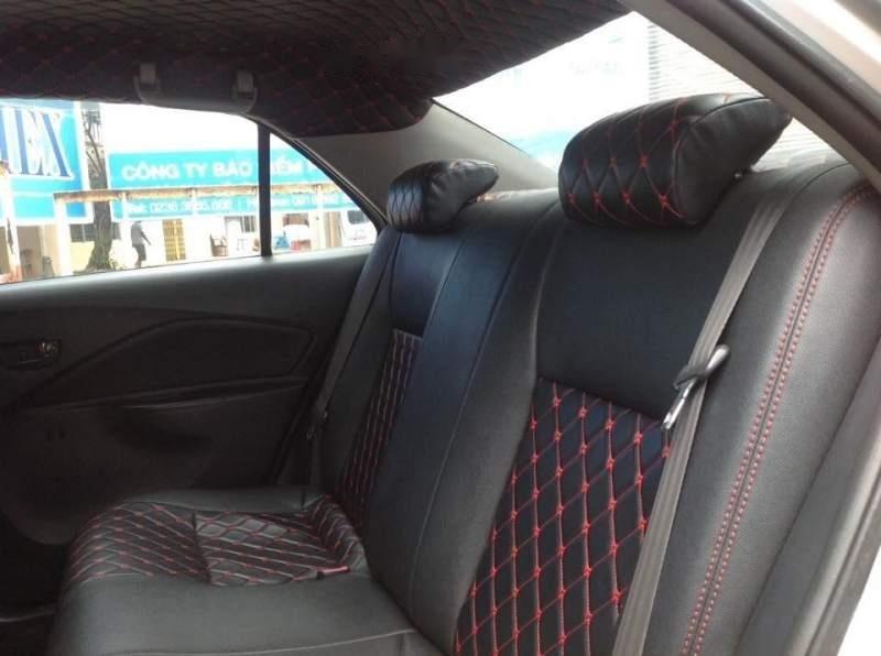 Cần bán Toyota Vios đời 2010, màu bạc-3