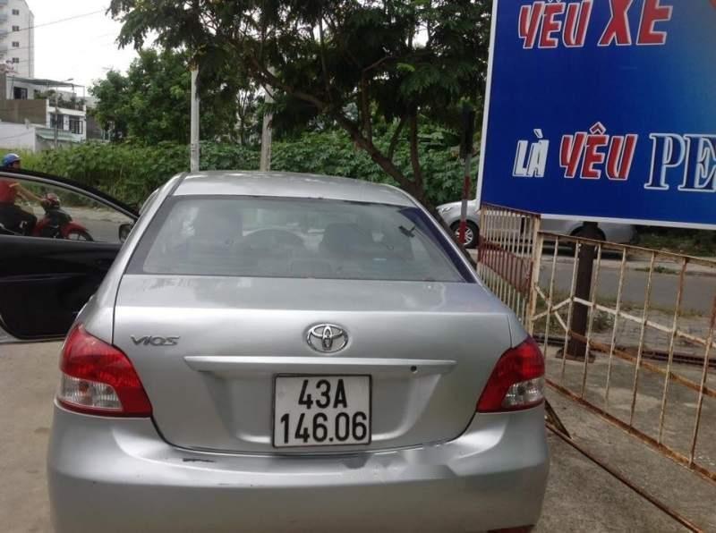 Cần bán Toyota Vios đời 2010, màu bạc-4