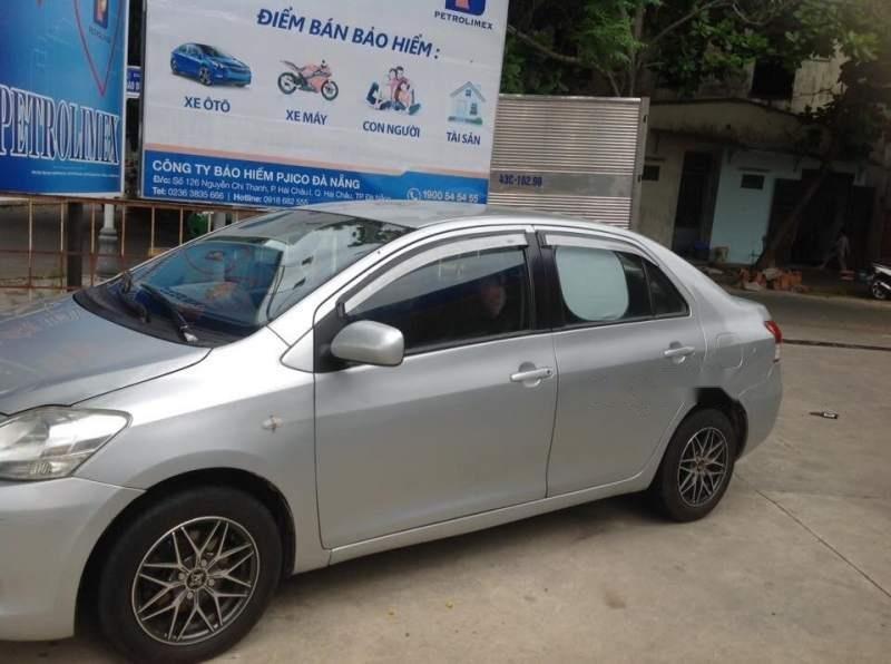 Cần bán Toyota Vios đời 2010, màu bạc-5