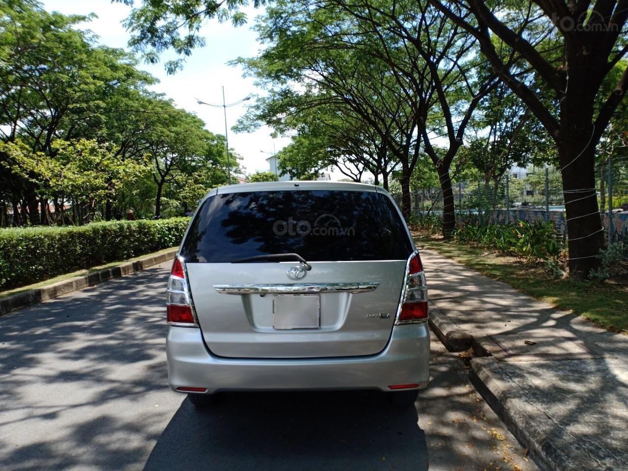 Cần bán xe Toyota Innova 2.0E sản xuất năm 2012, xe ông lão đi nay bán lại 455 triệu-2