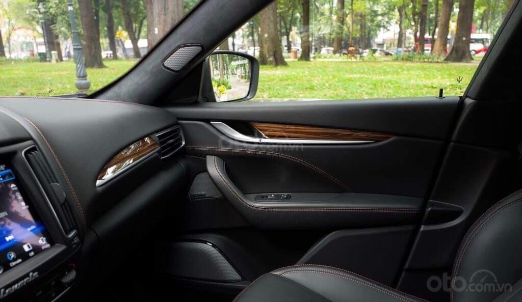 Bán xe Maserati Levante sản xuất năm 2017, xe nhà sử dụng đang còn mới tinh (5)
