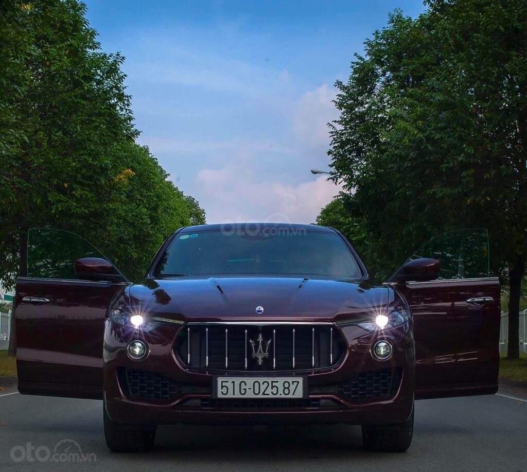 Bán xe Maserati Levante sản xuất năm 2017, xe nhà sử dụng đang còn mới tinh (1)