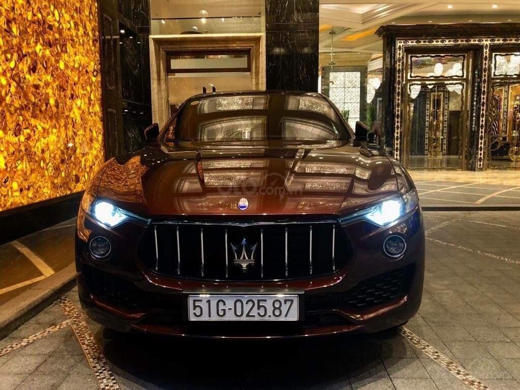 Bán xe Maserati Levante sản xuất năm 2017, xe nhà sử dụng đang còn mới tinh (6)