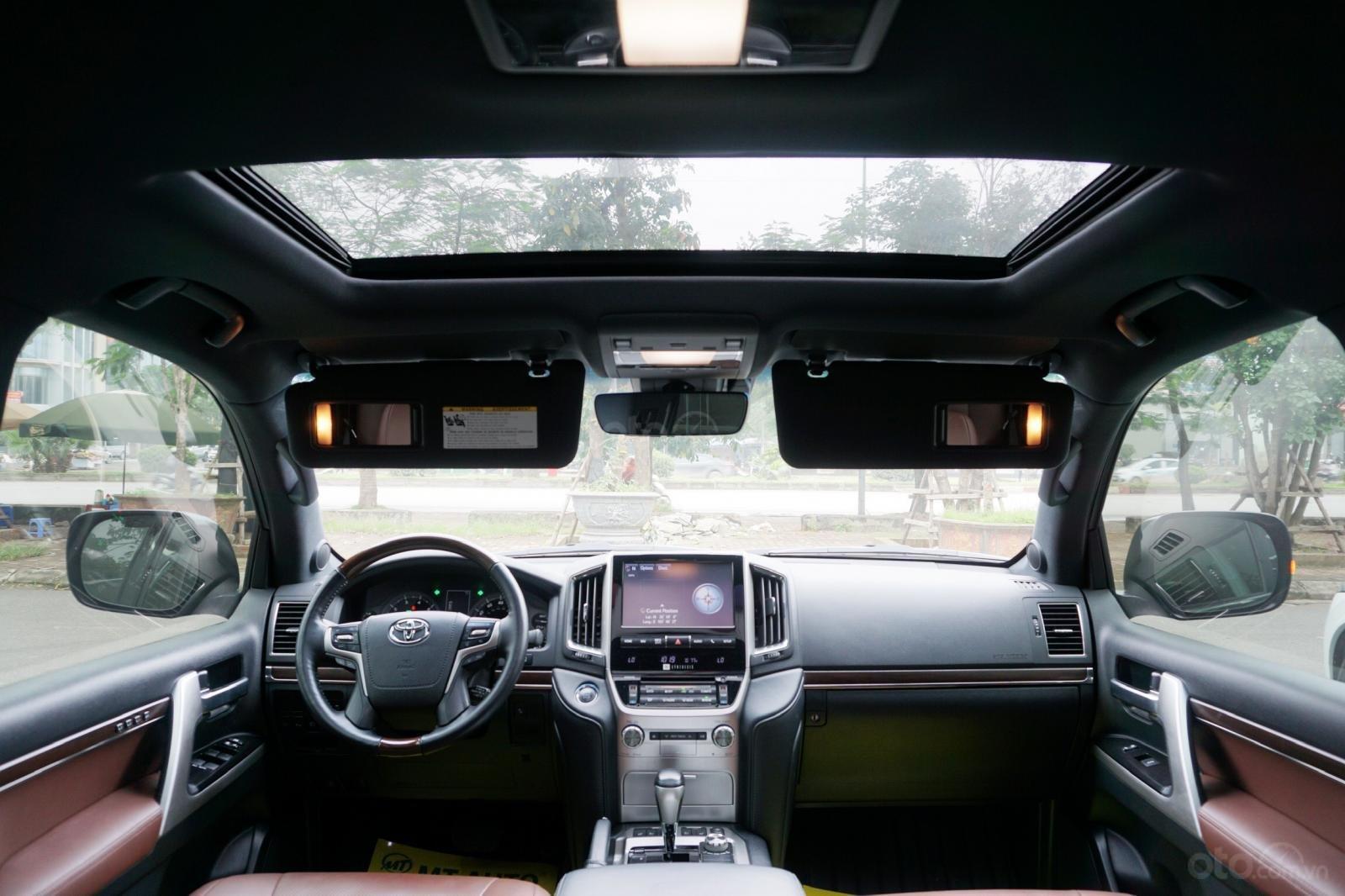 Bán Toyota Land Cruiser 5.7 2015, màu đen, xe nhập Mỹ, LH Ms Hương 094.539.2468 (15)