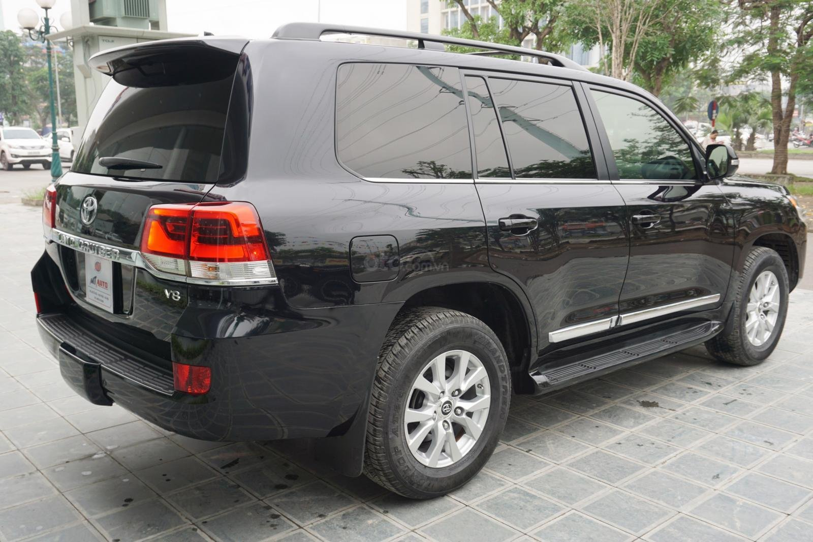 Bán Toyota Land Cruiser 5.7 2015, màu đen, xe nhập Mỹ, LH Ms Hương 094.539.2468 (14)