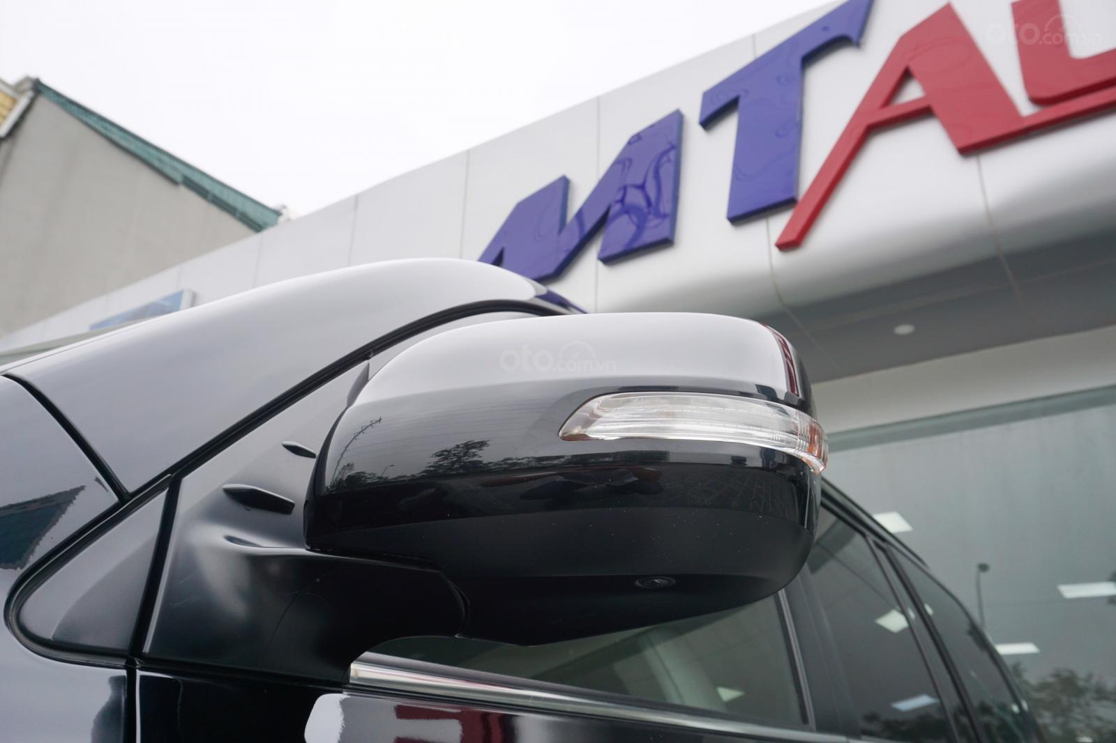 Bán Toyota Land Cruiser 5.7 2015, màu đen, xe nhập Mỹ, LH Ms Hương 094.539.2468 (18)