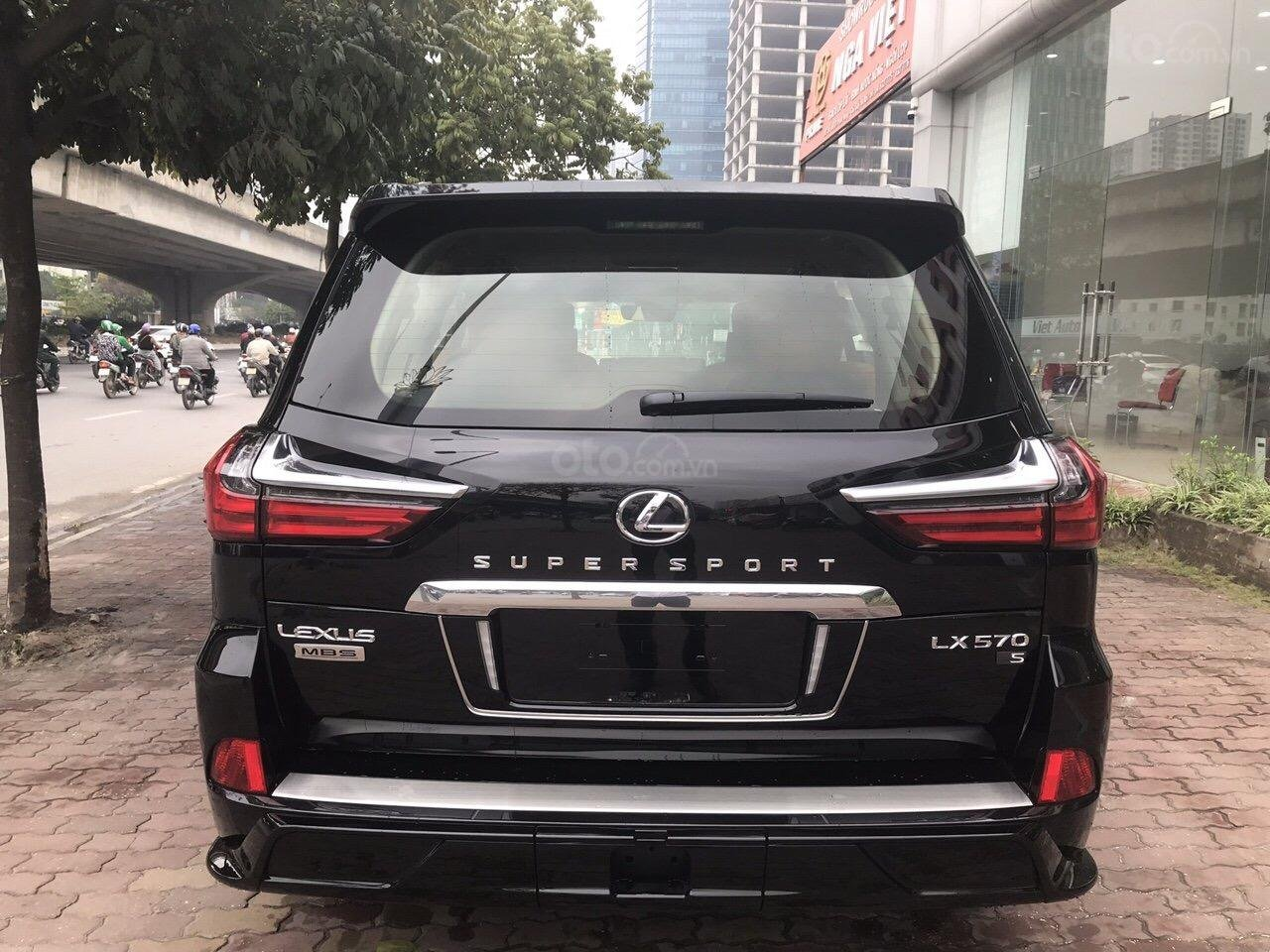 Bán Lexus LX570 Super Sport Autobiography MBS Edition 2019, bản 04 chỗ, xe giao ngay-3