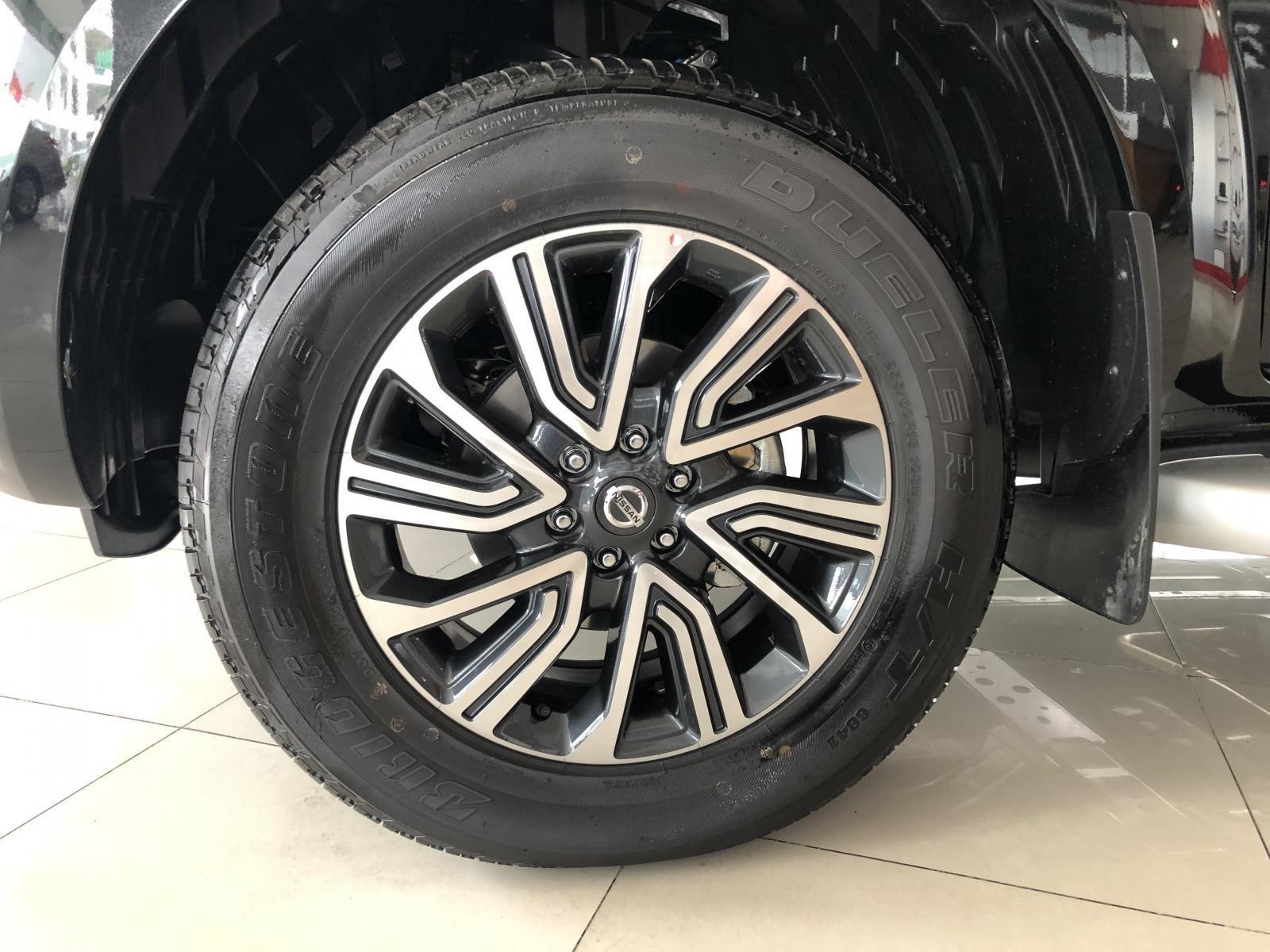 Cần bán Nissan Terra V 2.5 AT 4 WD sản xuất 2019, tặng BHVC thân xe, CTKM hấp dẫn, giao xe ngày, LH 0938 357 929-5