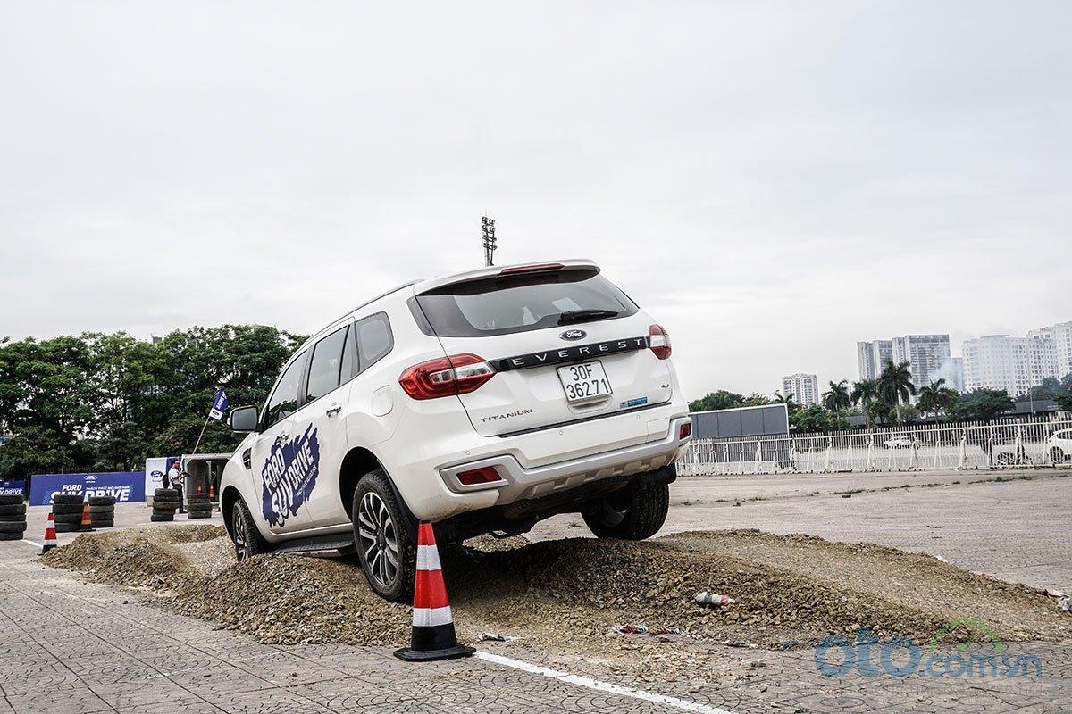 Các bài trải nghiệm Ford SUV Drive đa dạng 6.