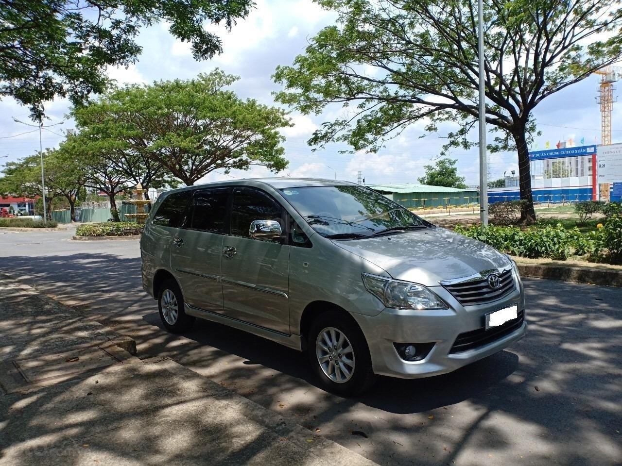 Cần bán xe Toyota Innova 2.0E sản xuất năm 2012, xe ông lão đi nay bán lại 455 triệu-0